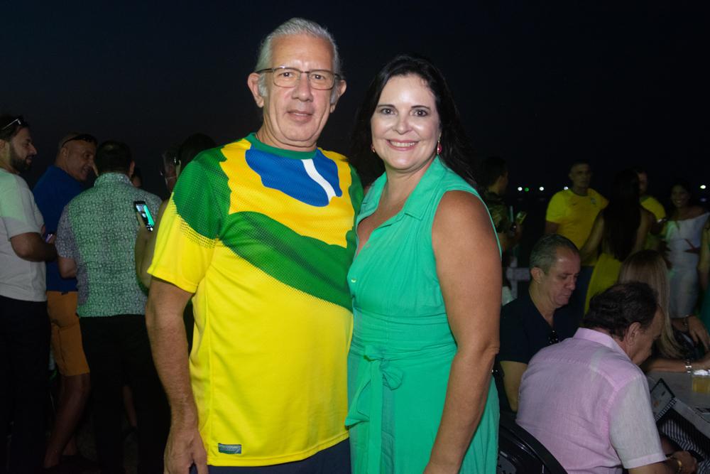 Geraldo Barros E Valeria Meireles