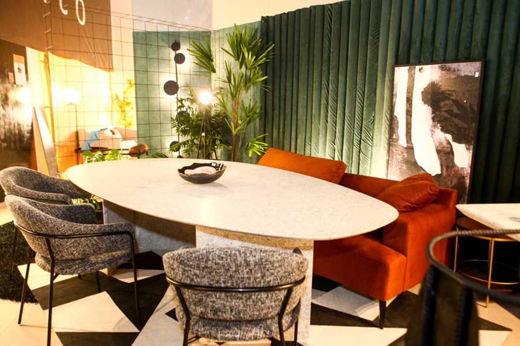 Mostra 100% Design recria e conecta ambientes com projetos de grandes nomes da arquitetura cearense