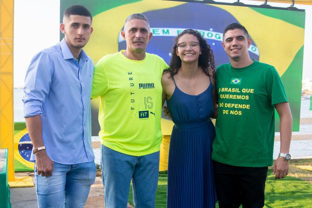 Lucas Máximus, Coronel Aginaldo, Júlia Isis E Pedro Henrique