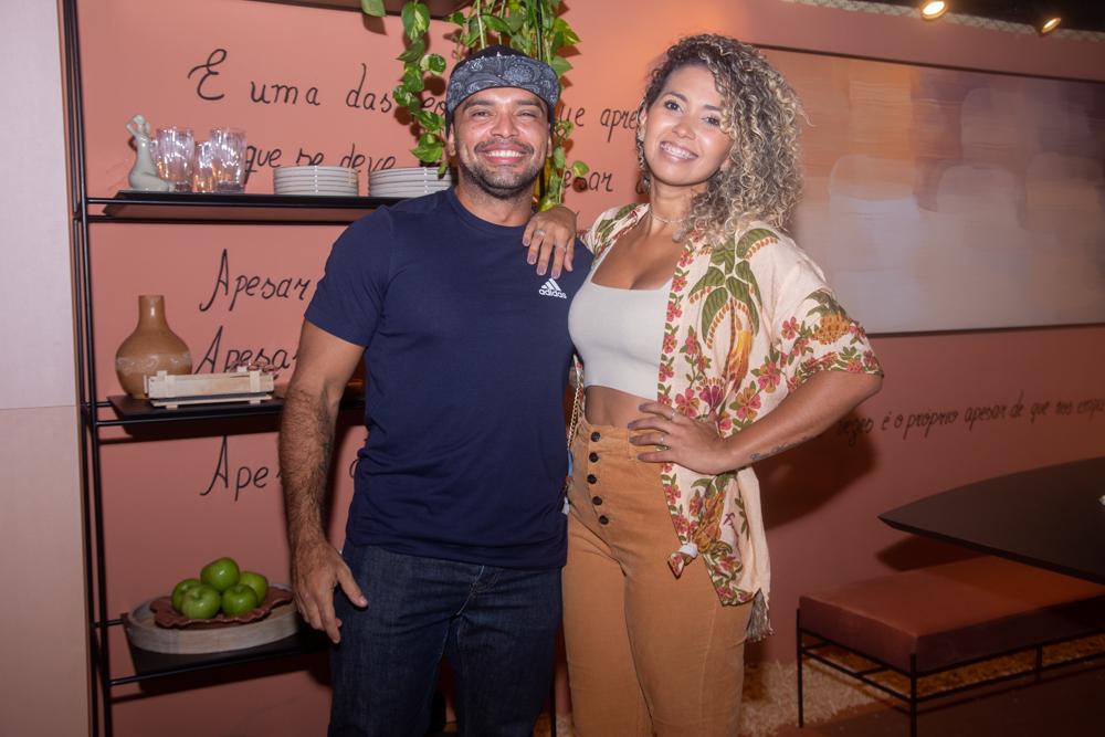 Max Barbosa E Manu Marques