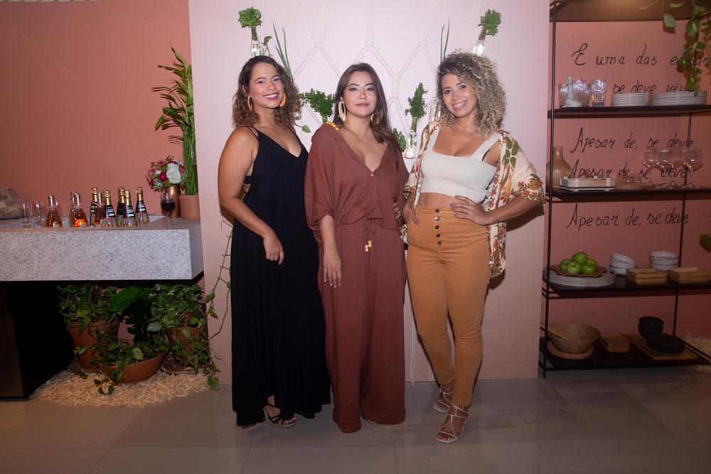 Mayara De Paula, Camila Osuji E Manu Marques