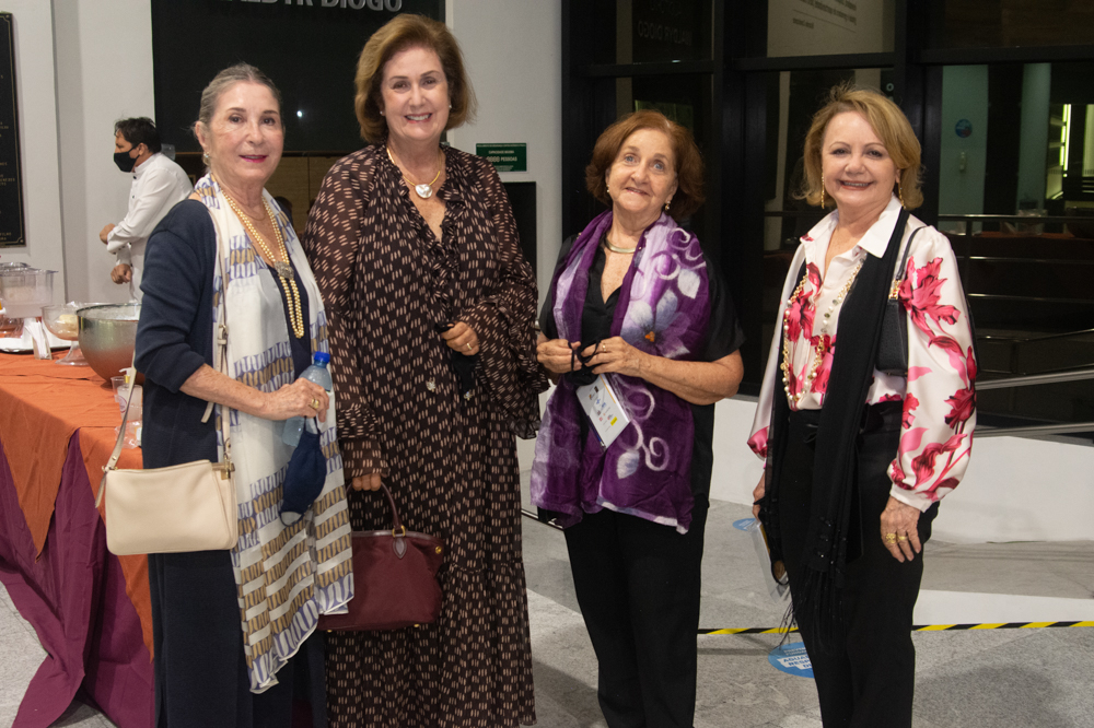 Nadja Ribeiro Moreira, Magda Ribeiro Melo, Maria Helena Costa E Lourdinha Leite Barbosa