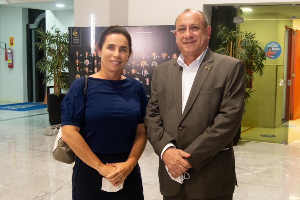 Suemy Vasconcelos E Toni Sando